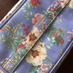 Brand New Yumi Kim Floral Makeup Bag!
